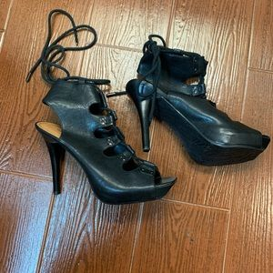 Gianni Bini lace up open toe shoes